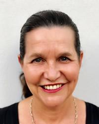 Associate Professor Jane Peake